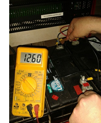 checking_battery_voltage