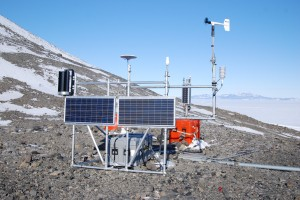 McMurdo antarctic station with LE-v50 vertical turbine